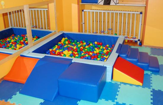Composizione piscina quadrata scivolo e scaletta 150cm - Piscina palline ikea ...