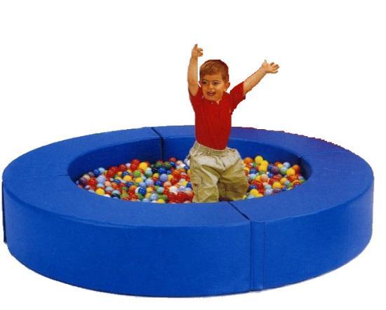 Composizione 39 il bersaglio 39 piscina con 600 palline - Piscina palline ikea ...