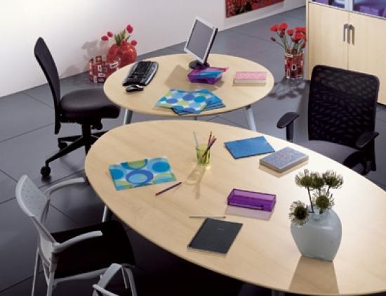 Tavoli Ufficio Riunioni : Tavolo riunione ovale linea ufficio pulcinodoro