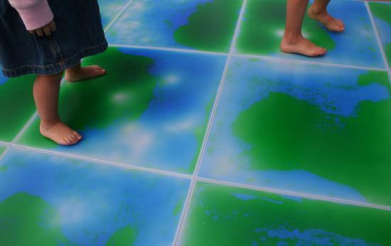Piastrella tattile bi color 100x100 linea pavimenti pulcinodoro.it