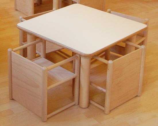 Tavolo Quadrato Con 4 Sedie.Kit Risparmio Nido Tavolo Quadrato 4 Sedie Pluriuso Pulcinodoro It